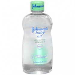 Johnson's Baby Oil Aloe Vera & Vitamin E - 14 oz